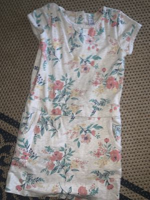 Dress flowers girl carter size 7 for Sale in Lynwood, CA