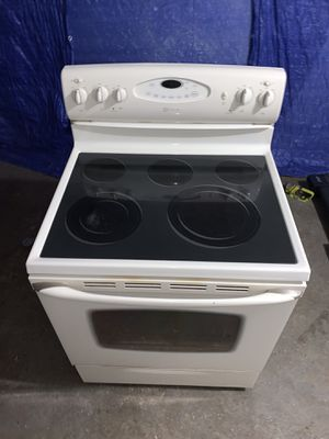 LIKE NEW Almond Maytag Electric Stove for Sale in Dracut, MA
