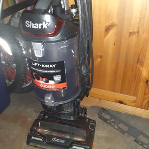 Shark duo clean one of the best vacuums made for Sale in Los Angeles, CA