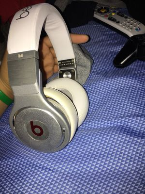 Beats by dre pro NEED GONE ASAP!!! for Sale in Richmond, VA