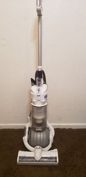 Dyson vacuum for Sale in Fountain Valley, CA