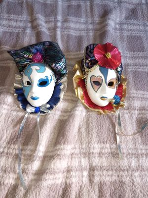 2 masks wall decor for Sale in Hinckley, OH