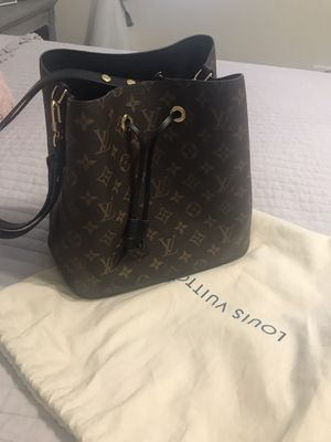 Louis Vuitton bag for Sale in Downers Grove, IL