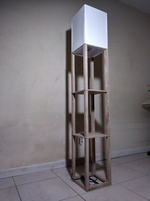 FLOOR LAMP w/ SHELVES & WHITE FABRIC SHADE for Sale in Tamarac, FL