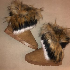 Faux fur mid calf boot for Sale in Shickshinny, PA