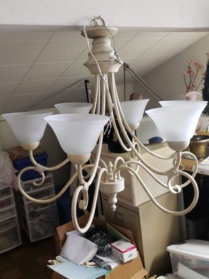 Beautiful chandelier with six lamps for Sale in Los Angeles, CA