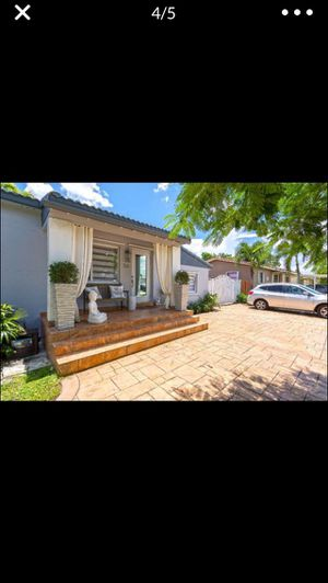 Efice en hialeah for Sale in Hialeah, FL