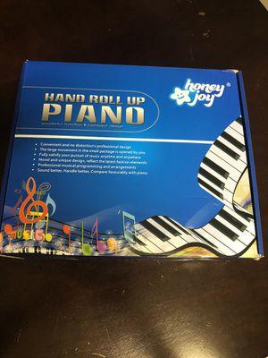 Hand roll up piano for Sale in Pico Rivera, CA