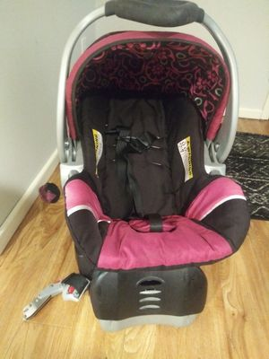 Car seat/stroller with mp3 for Sale in Beverly Hills, TX