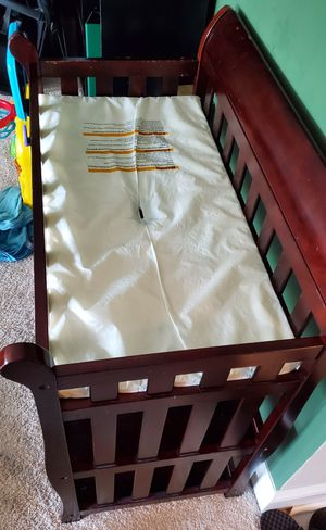 Delta Changing Table and Pad for Sale in Pikesville, MD