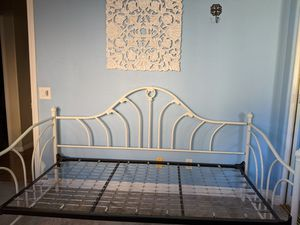 Twin daybed and trundle bed for Sale in Oceanside, CA