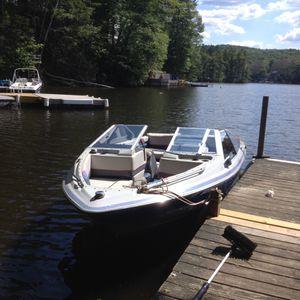 Bayliner pleasure boat for Sale in Brimfield, MA