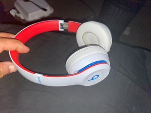 Beat solo 3 (just headphones) works perfect for Sale in Carson, CA