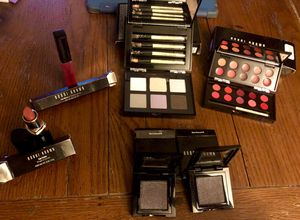 8 pieces of Bobbi Brown Lip and Eye makeup for Sale in Meadowlands, PA