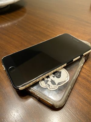 iPhone 7 Plus Jet Black 128gb Unlocked for Sale in Coronado, CA
