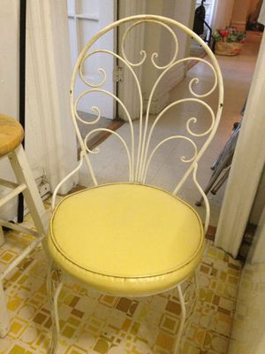White Formica kitchen table. Wrought iron base. With extra leaf extension. 4 yellow vinyl chairs wrpught iron. Good condition $130 for Sale in Brooklyn, NY