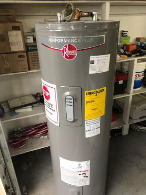 Electric water heater for Sale in Fort Lauderdale, FL
