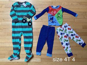 Size 4 4T pajamas for Sale in Hoboken, NJ