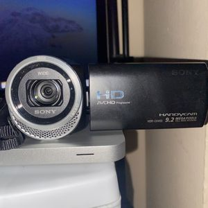 Sony HDR-CX455 Full HD Handycam Camcorder with 8GB Internal Memory for Sale in Los Angeles, CA