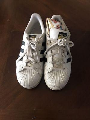 Adidas superstar size 5 for Sale in Phoenix, AZ
