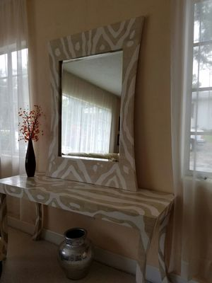 Beautiful Console Table and Mirror for Sale in Orlando, FL