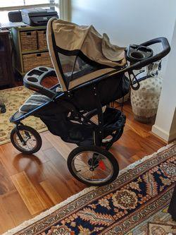 Baby Stroller ...Folds for Sale in Woodbridge,  VA