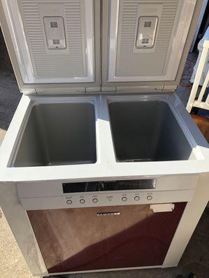 Samsung Kinchi refrigerator for Sale in Rockville, MD