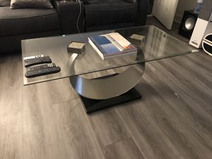 Modern Dining Table, with Chairs and Coffee Table for Sale in Los Alamitos, CA