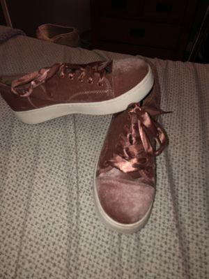 steve madden velvet shoes size 9 for Sale in Fort Lauderdale, FL