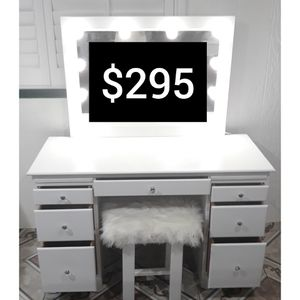 Make-up Vanity for Sale in Orange, CA