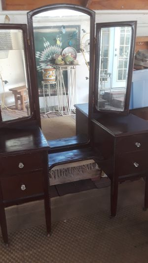 Antique dresser over a hundred years old for Sale in San Antonio, TX