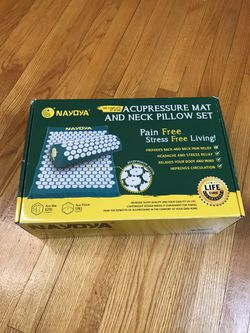 Nayoya Back and Neck Pain Relief Acupressure Mat and Pillow Set for Sale in Buckhannon,  WV