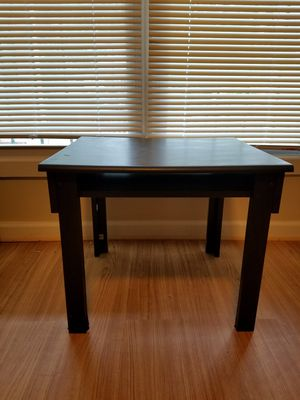 Table/Small Desk for Sale in Capitol Heights, MD