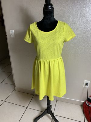 Forever 21 Yellow Flare & Fitted Dress for Sale in Miami, FL