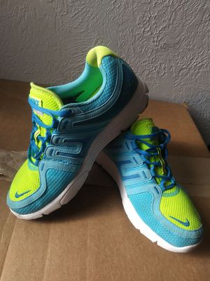 NIKE RUN AVANT TRAINING RUNNING SHOES - BLUE-GREEN COLOR ( SIZE 7.5 ) WOMEN'S for Sale in Pittsburgh, PA