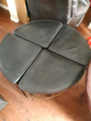 Wooden circle table for Sale in New Port Richey, FL