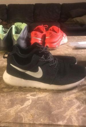 Men's Nike roshe running shoe for Sale in Columbus, OH