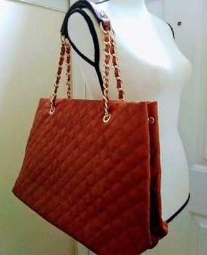Brown quilted chain shoulder handbag for Sale in Burtonsville, MD