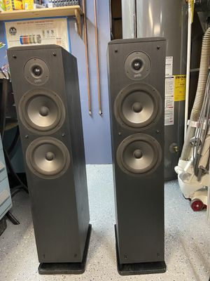 Polk RT-12 tower speakers for Sale in Hicksville, NY