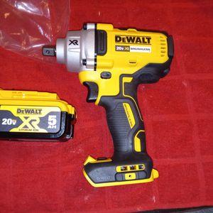 1/2 Tool Y Batería 200 Firme for Sale in Pomona, CA