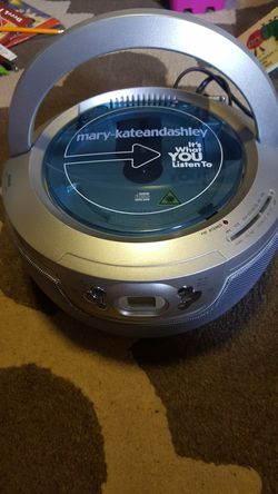 Mary-Kateandashley Radio/CD Player for Sale in Altadena,  CA