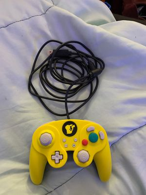 Nintendo switch pikachu controller for Sale in Long Beach, CA