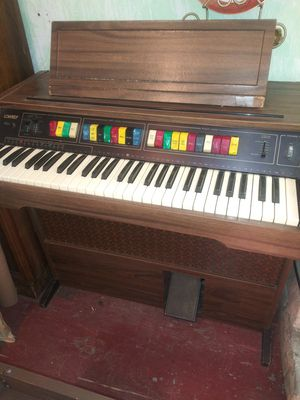 Vintage Organ Working for Sale in Cleveland, OH