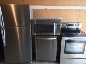 Like new fridge dishwasher microwave stove perfect working condition cheap price for Sale in Winter Park, FL