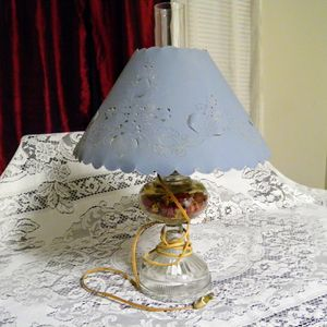 Antique looking lamp. for Sale in Fort Worth, TX