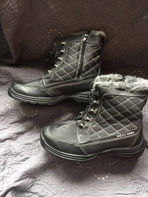 Women's Size 10 Snow Boots for Sale in Plano, IL
