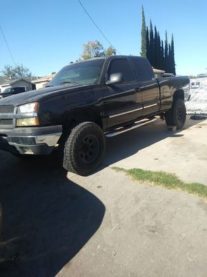 2002 Chevy Silverado 1500 for Sale in Fontana, CA
