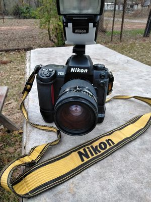 Nikon F100 35mm for Sale in Marshall, TX