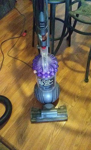 Dyson Bagless Animal Vacuum for Sale in Orlando, FL