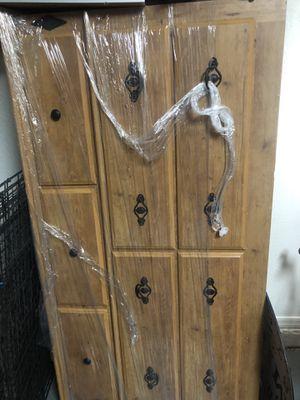 Dresser w/ mirror for Sale in Waddell, AZ